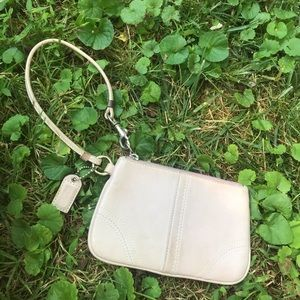 Free Coach Wristlet that needs a good cleaning!